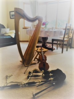breakfast 8 harp fiddle and pipes